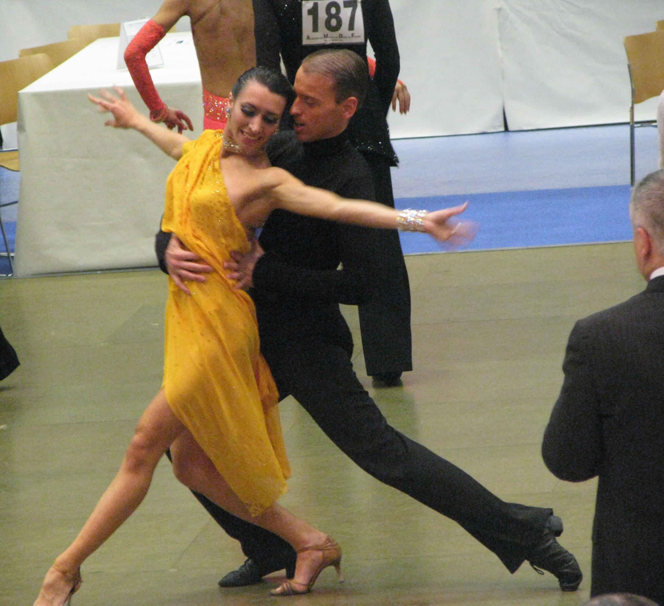 Centre de danse clanet toulouse salle de danse toulouse for Cours de danse de salon lyon